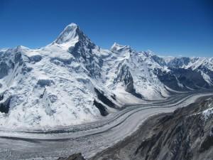 Vue globale du versant N du khan Tengri